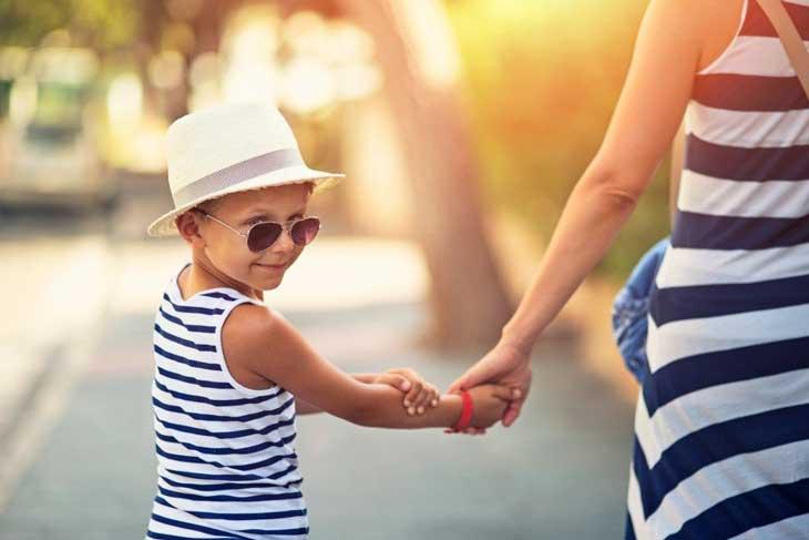 Chống nắng cho trẻ