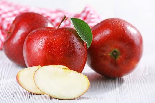 Táo là loại trái cây giúp làm đẹp da hiệu quả