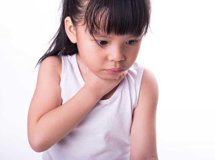 hít sặc ở trẻ em