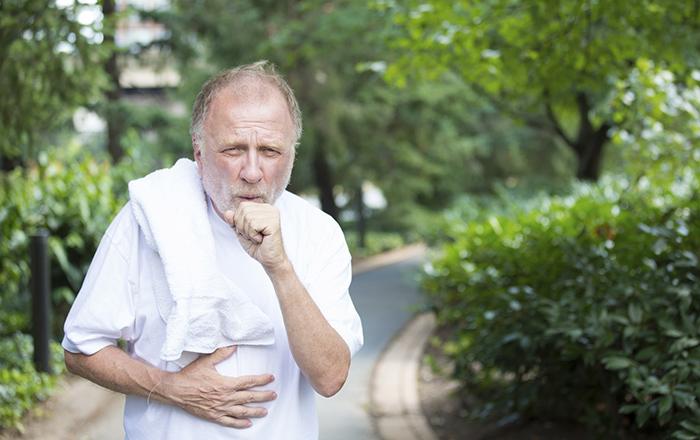 tình trạng ho ở người cao tuổi