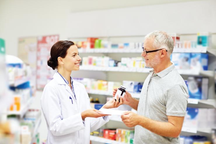 Một số lưu ý khi dùng thuốc ở người cao tuổi