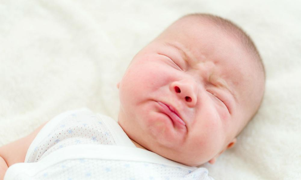 Hiện tượng sinh lý thường gặp ở trẻ sơ sinh
