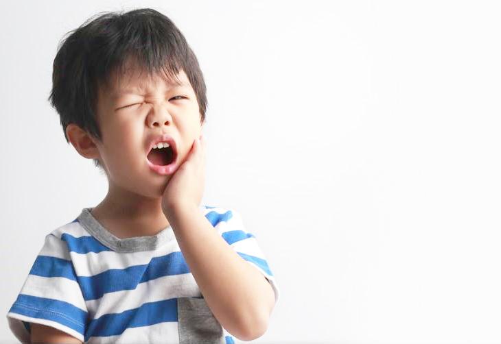 trẻ nhỏ biếng ăn