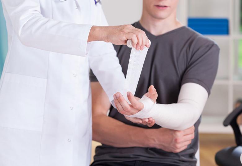 trât khớp khuỷu tay