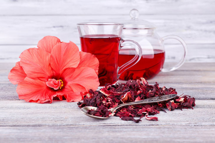 uống trà khi mang thai