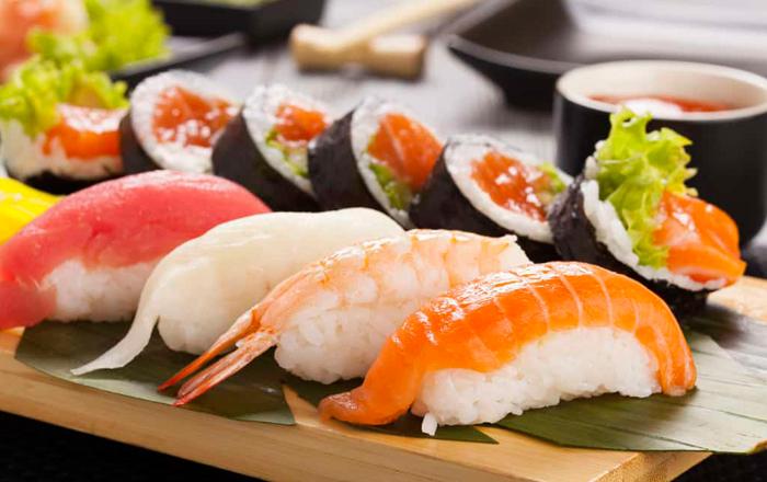 Tránh ăn đồ sống kẻo mắc bệnh hậu sản