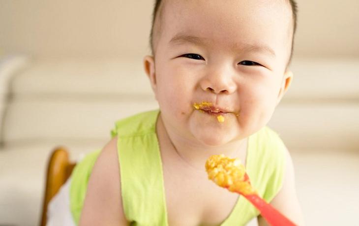 Những điều nên và không nên làm khi cho trẻ ăn hải sản bố mẹ cần biết