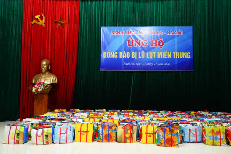 500 gift sets were preparing to give to locals in Chau Nhan and Hung Thanh communes.