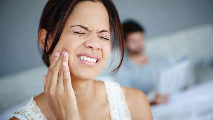 Đau xương hàm gần tai