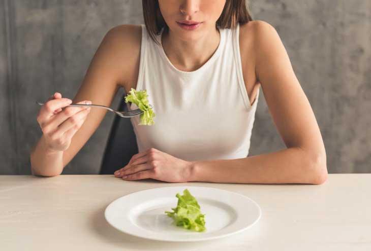 buồn nôn khi đói