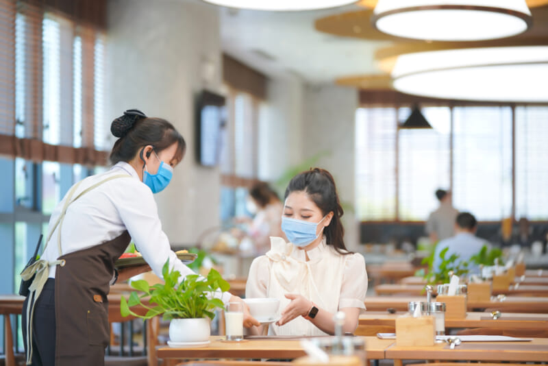 Nhà hàng sang trọng tại tầng 4 bệnh viện phục vụ nhu cầu ăn uống của khách hàng